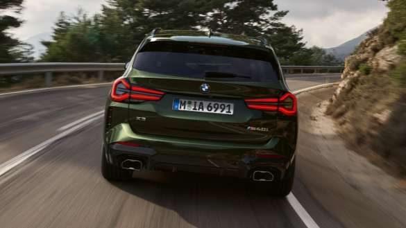 BMW X3 M40i M40d G01 LCI Facelift 2021 Malachitgrün metallic M Sportdifferenzial Heckansicht